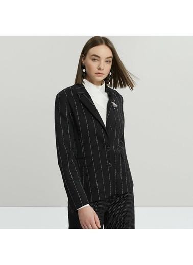 Yargıcı Biye Detaylı Ceket Siyah